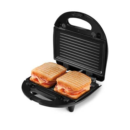 Detail of the sandwich maker of Mondial Inox Grill Premium S-15